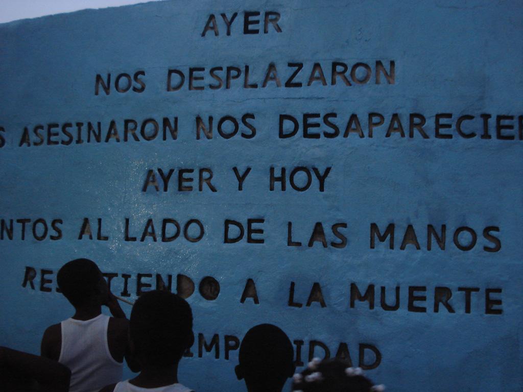 El mural de las víctimas y la resistencia