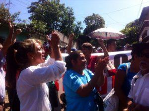 Familiares y amigos de los capturados se mantuvieron frente al Juzgado de Tacuba, para exigir la liberación de sus compañeros.