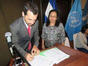 Mundubat y FIDA firman convenio  El Salvador