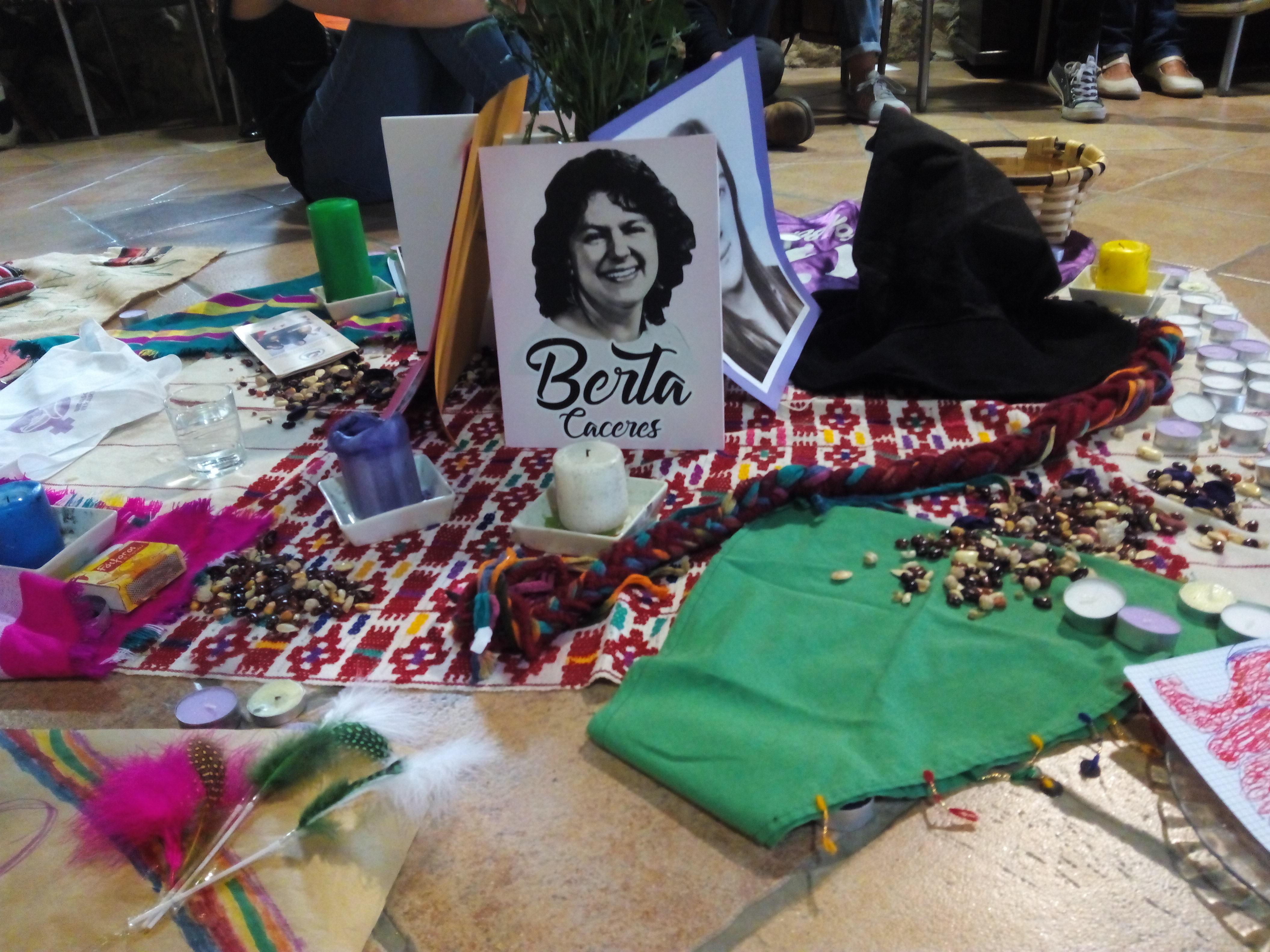 Escuelas de Economía Feminista en Euskal Herria y Honduras