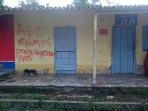 Paramilitares en San José de Apartadó Colombia