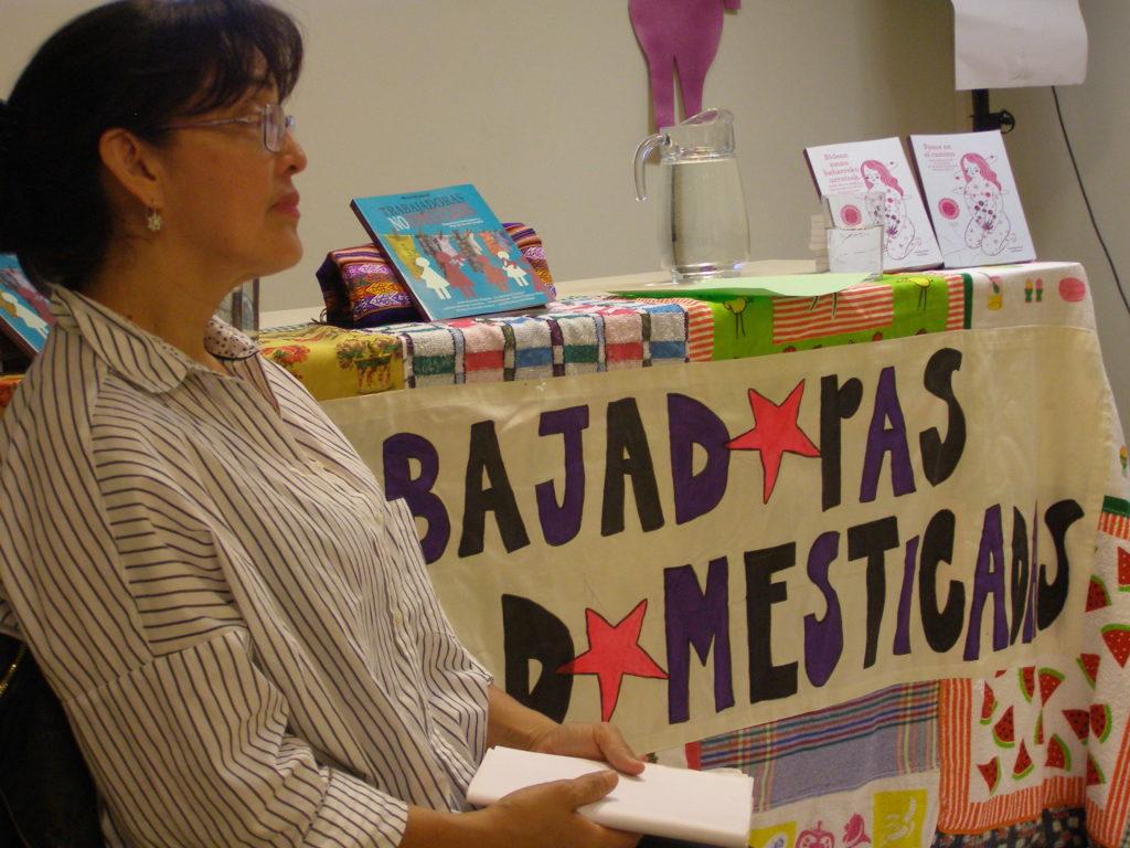 Lyudmila Montoya Castellón hace un trabajo político para denunciar las injusticias que sufren en los trabajos de hogar y de cuidados, a pesar de ser lo más valioso en la vida de las personas.