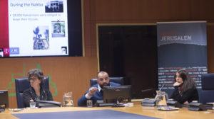 La activista palestina Dalia Nassar y Rami Saleh, durante su intervención en el Parlamento Vasco presentando la campaña La Otra Jerusalén.
